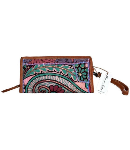 Traditional Clutch With Leather Handle