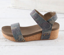 Load image into Gallery viewer, Corky's Slidell Sandal in Distressed Camo