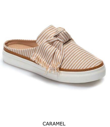 STRIPED PLATFORM MULE WITH FRAYED BOW DETAIL