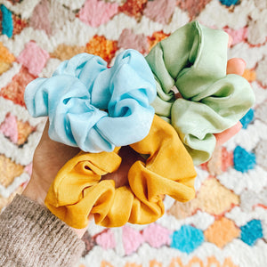 Colorful summer scrunchie 3-pack