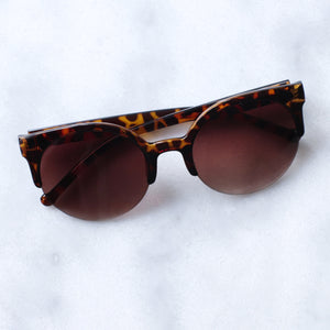 'Feelin' myself' tortoise round shape sunglasses