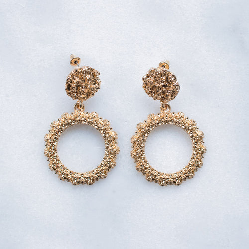 Lola round gold earrings