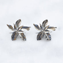 Load image into Gallery viewer, 'Eve' silver flower earrings