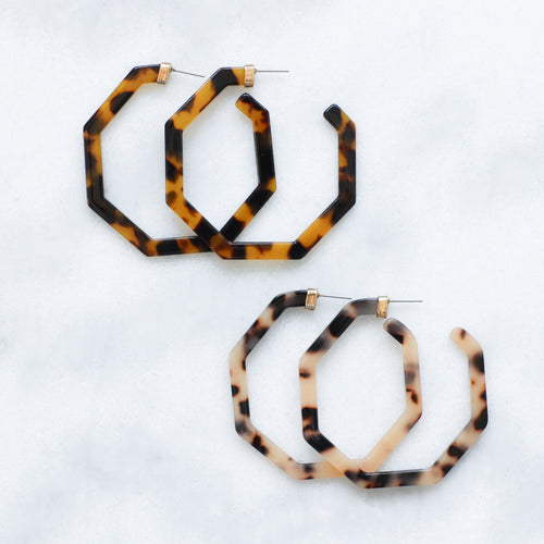 'Lucy' tortoise geometric hoops - 2 colors available