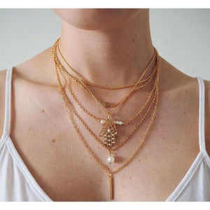 'Bella' gold necklace with pearl