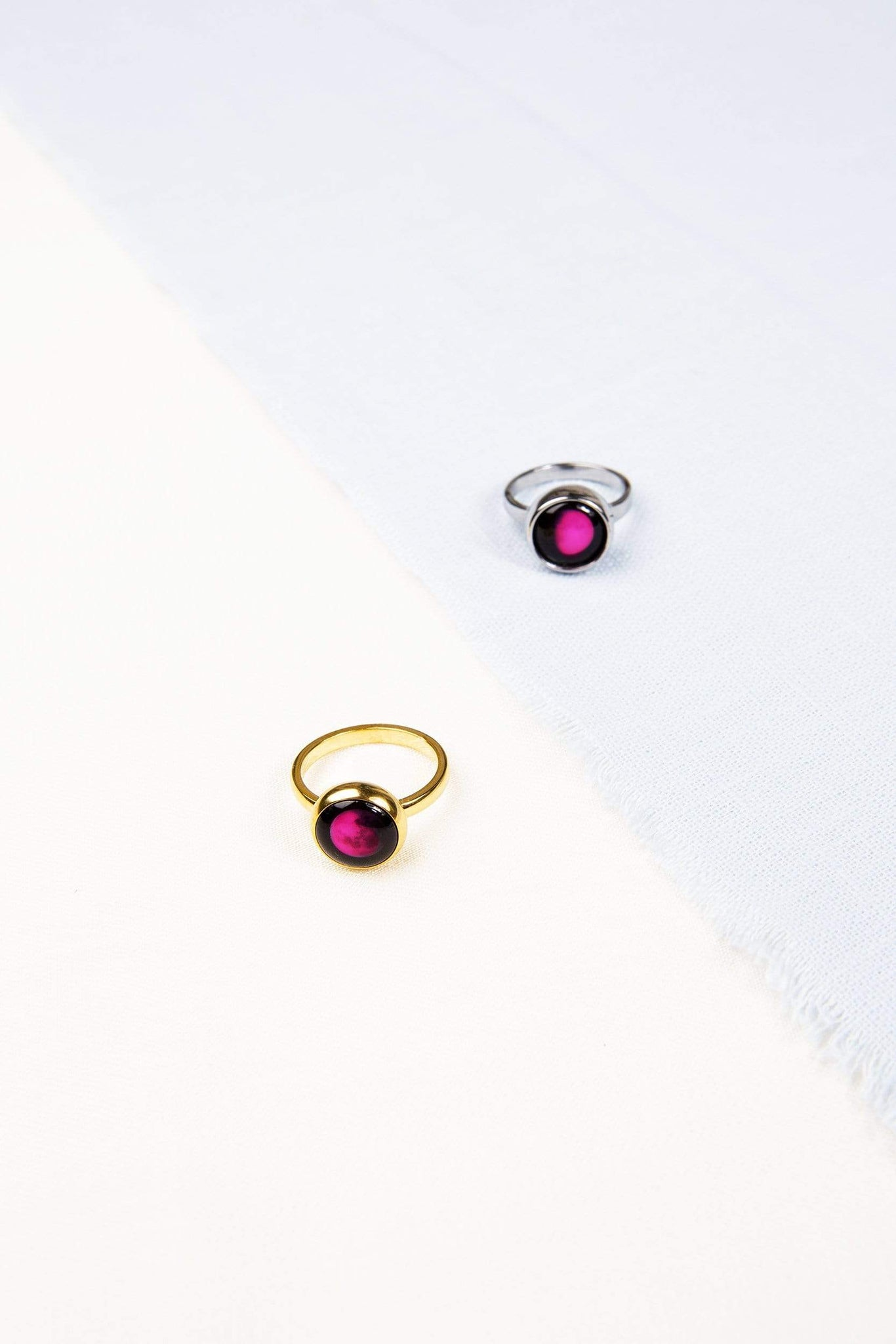 Pink Moon Mini Simplicity Moon & Engravable Ring Set in Gold
