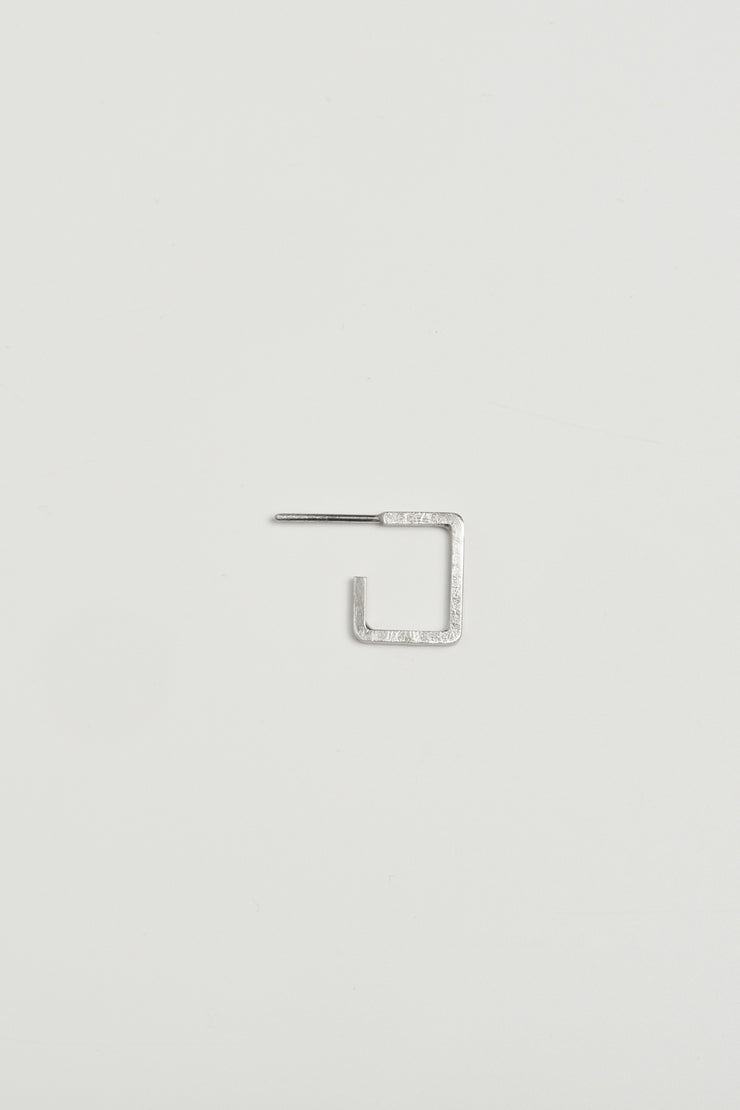 OPEN HOOP SQUARE EARRING 81