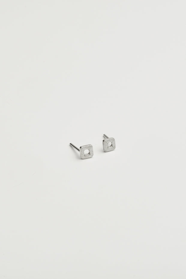 SQUARE EARRING 81