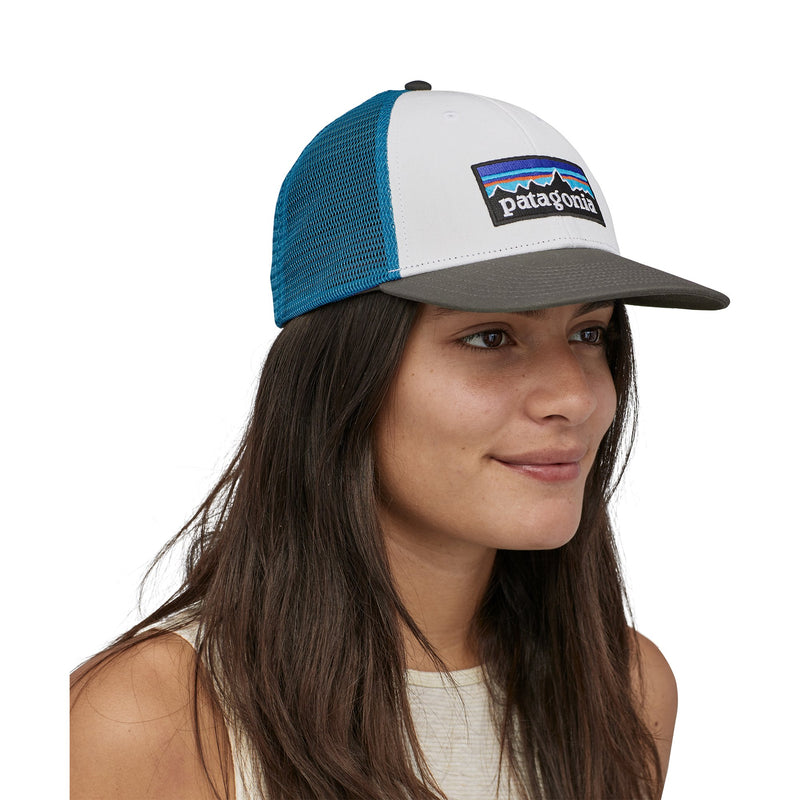 p-6 logo lopro trucker hat - unisex - patagonia - white-forge grey