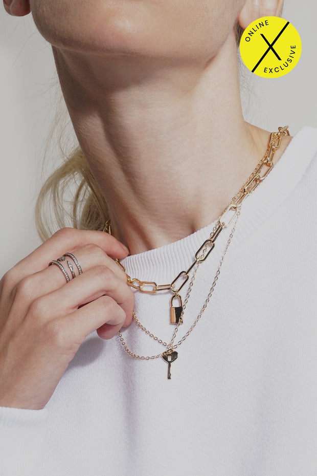 Chain Layer Necklace With Pendant
