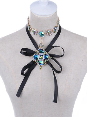 Alloy bejeweled rhombic pendant vintage necklace