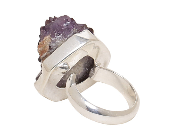Back view of amethyst druzy ring