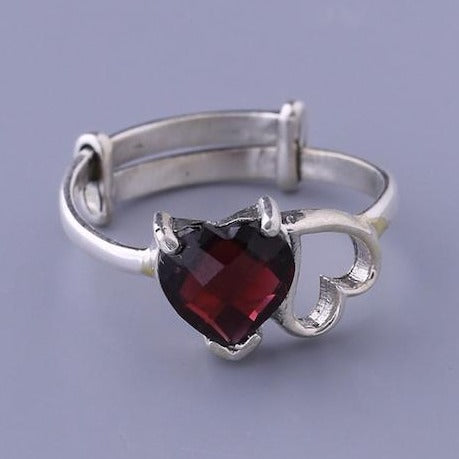 Heart shaped red garnet stone finger ring