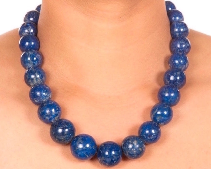 Classic single strand gemstone neckpiece with back closure