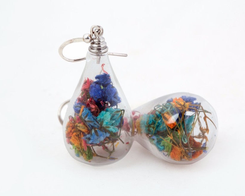 Bloomy bulb shaped earrings