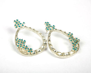 Kundan hoop earrings with flowers made of turquoise stones