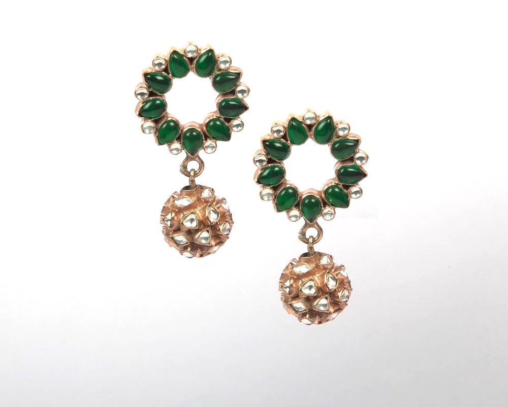Rose gold plated kundan earrings with green garnet stone