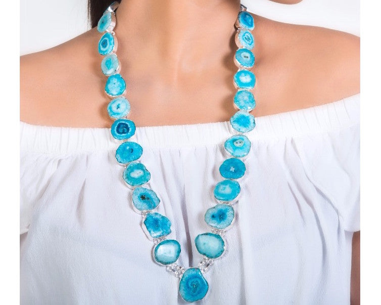 Organic shape & color stones long neckpiece