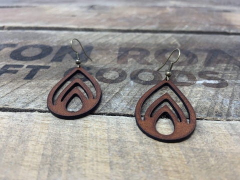 products/hand-made-leather-brown-silver-echo-earrings-13271580737636.jpg