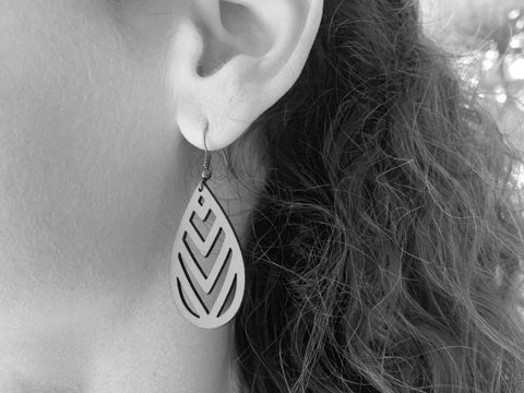 products/hand-made-leather-chevron-earrings-13339288698980.jpg