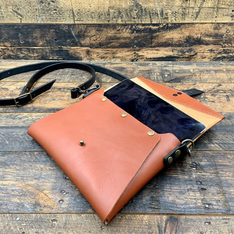 products/hand-made-leather-crossbody-envelope-bag-13639595982948.jpg