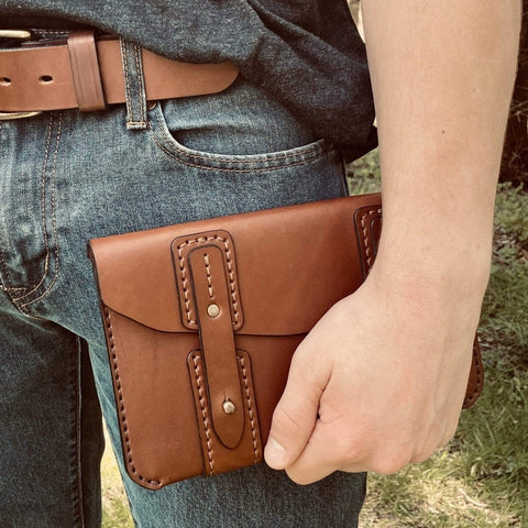 products/hand-made-leather-english-bridle-venture-portfolio-clutch-14533690753124.jpg