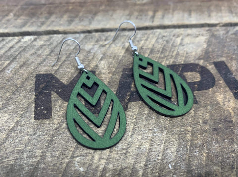 products/hand-made-leather-green-silver-chevron-earrings-13339190657124.jpg