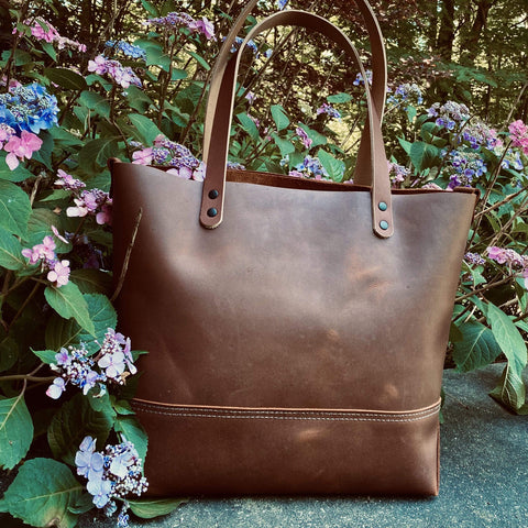 products/hand-made-leather-large-tote-in-brown-buffalo-17963447451803.jpg