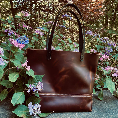 products/hand-made-leather-large-tote-in-lux-pull-up-leather-17963341971611.jpg
