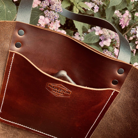 products/hand-made-leather-large-tote-in-lux-pull-up-leather-17963342004379.jpg