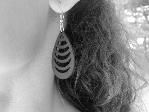 products/hand-made-leather-ripple-earrings-13339234599012.jpg