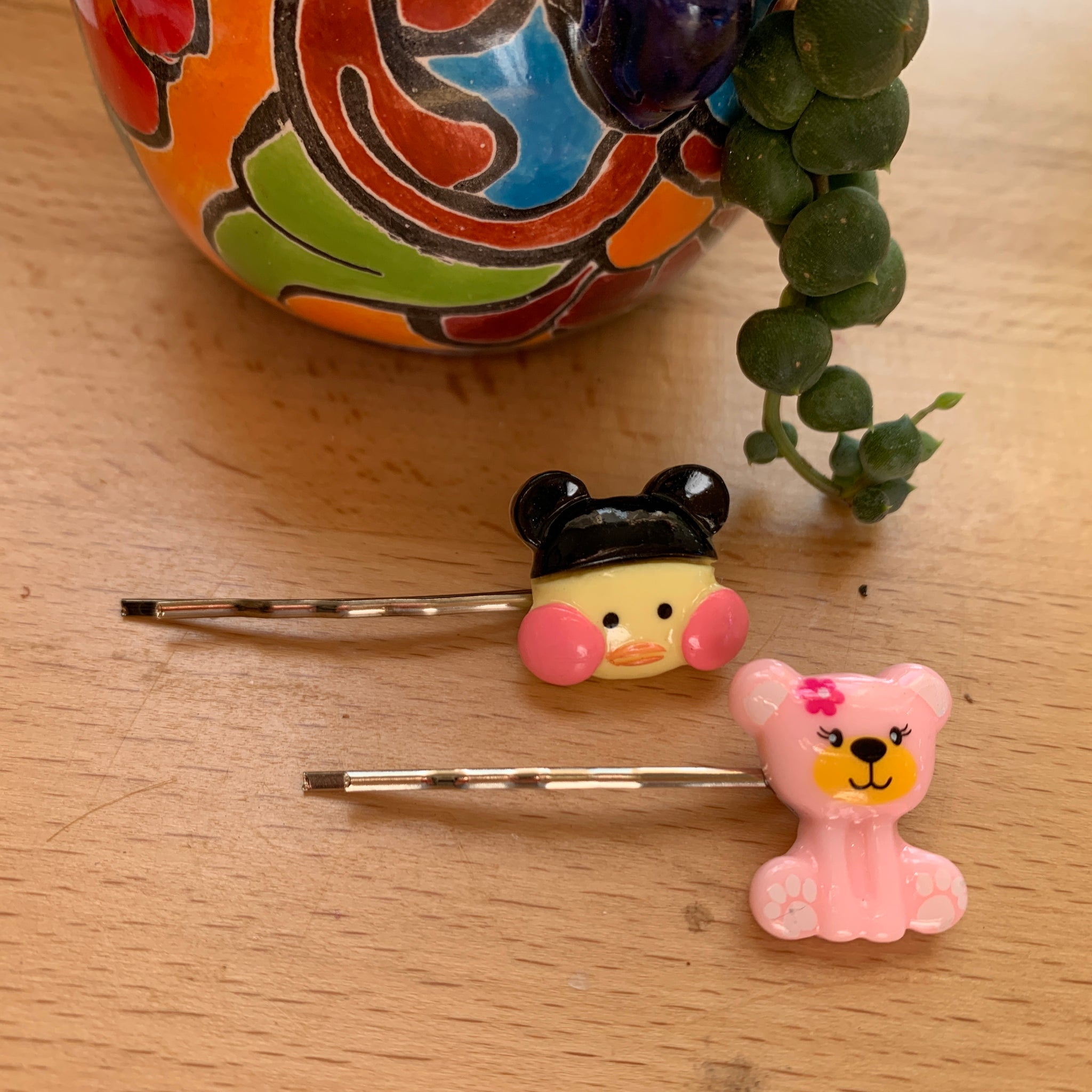 Hairpins-bird and bear