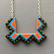 Load image into Gallery viewer, Bib Necklace
