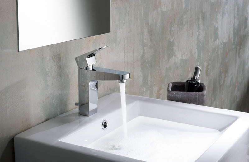 Jackson Single Hole Faucet in Chrome