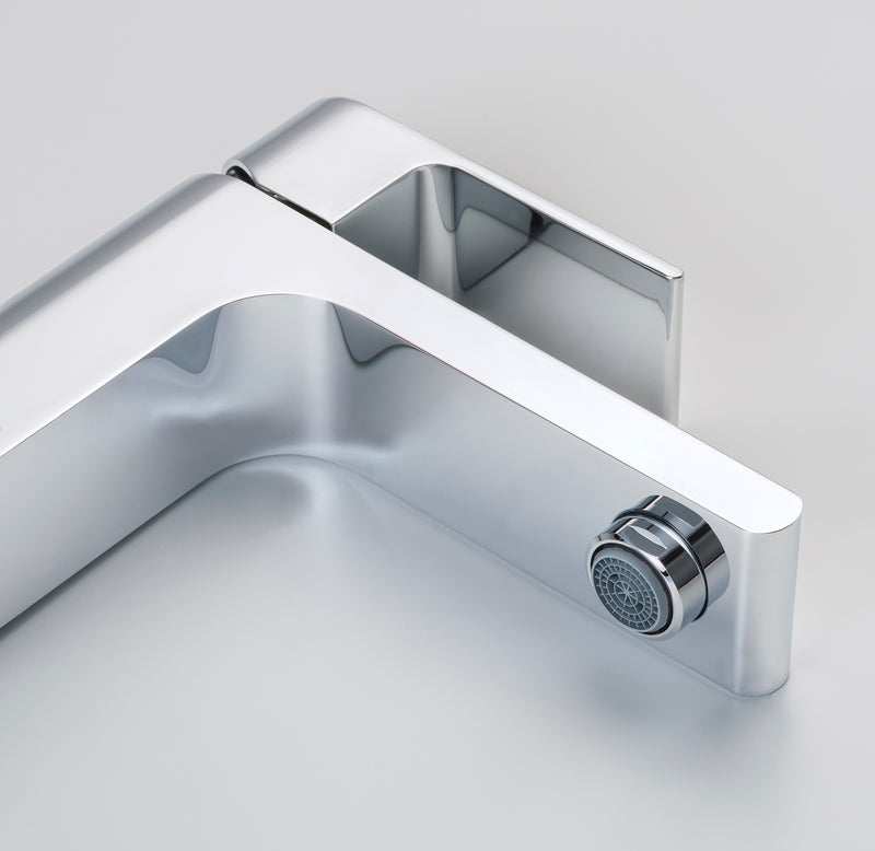 Monty Single Hole Faucet in Chrome