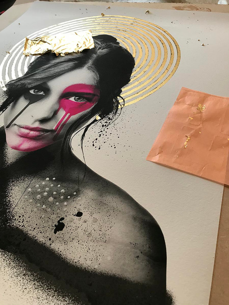 Shisei hand embellished with gold and ink