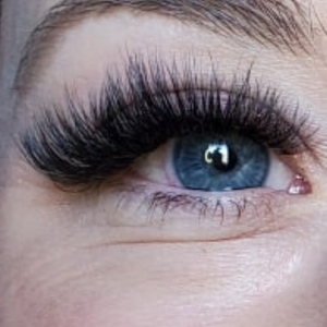 VOLUME LASHES- LIGHT-WEIGHT FANNED LASHES APPLIED TO EACH ISOLATED, SINGULAR NATURAL LASH. PROFESSIONAL LASH EXTENSIONS, TREATMENTS CAN ENHANCE YOUR NATURAL BEAUTY AND GIVE YOU THE CONFIDENCE TO TAKE ON ANYTHING THAT COMES YOUR WAY. OUR PRECISE TECHNIQUES GUARANTEE YOUR SAFETY AND GREAT SERVICE.