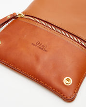 Load image into Gallery viewer, Fold Purse with shoulder strap / Caramel - (ki:ts)