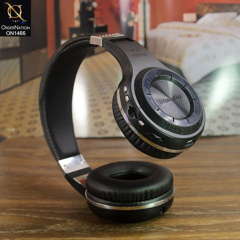products/on1466-headphone-black-1.jpg