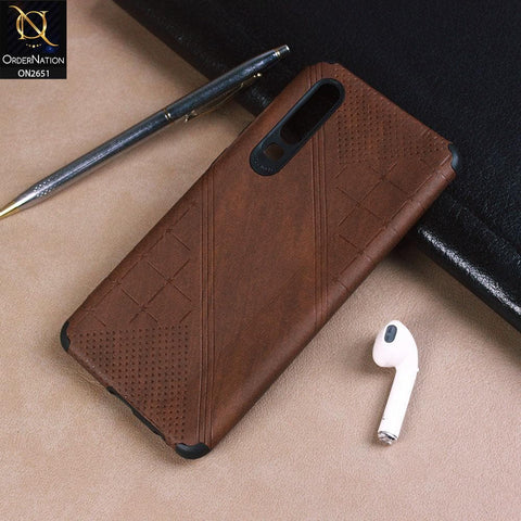 Huawei P30 Cover - Brown - Soft Stylish Leather Look Curved Line Case
