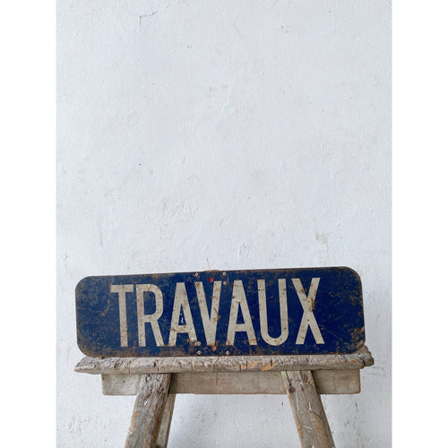 Travaux Enamel Sign