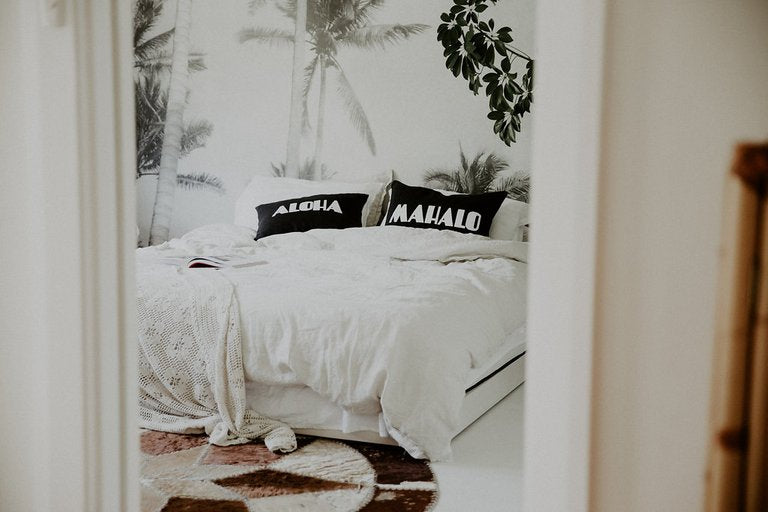 dream mahalo cushion | black sea