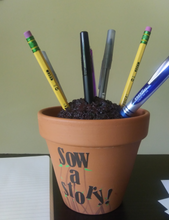 Load image into Gallery viewer, Flower Pot Pen Cup