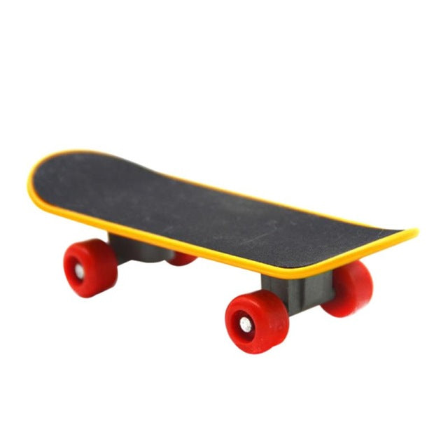 Intelligence Skateboard Toy Stand for Parrots - YourSmartPets