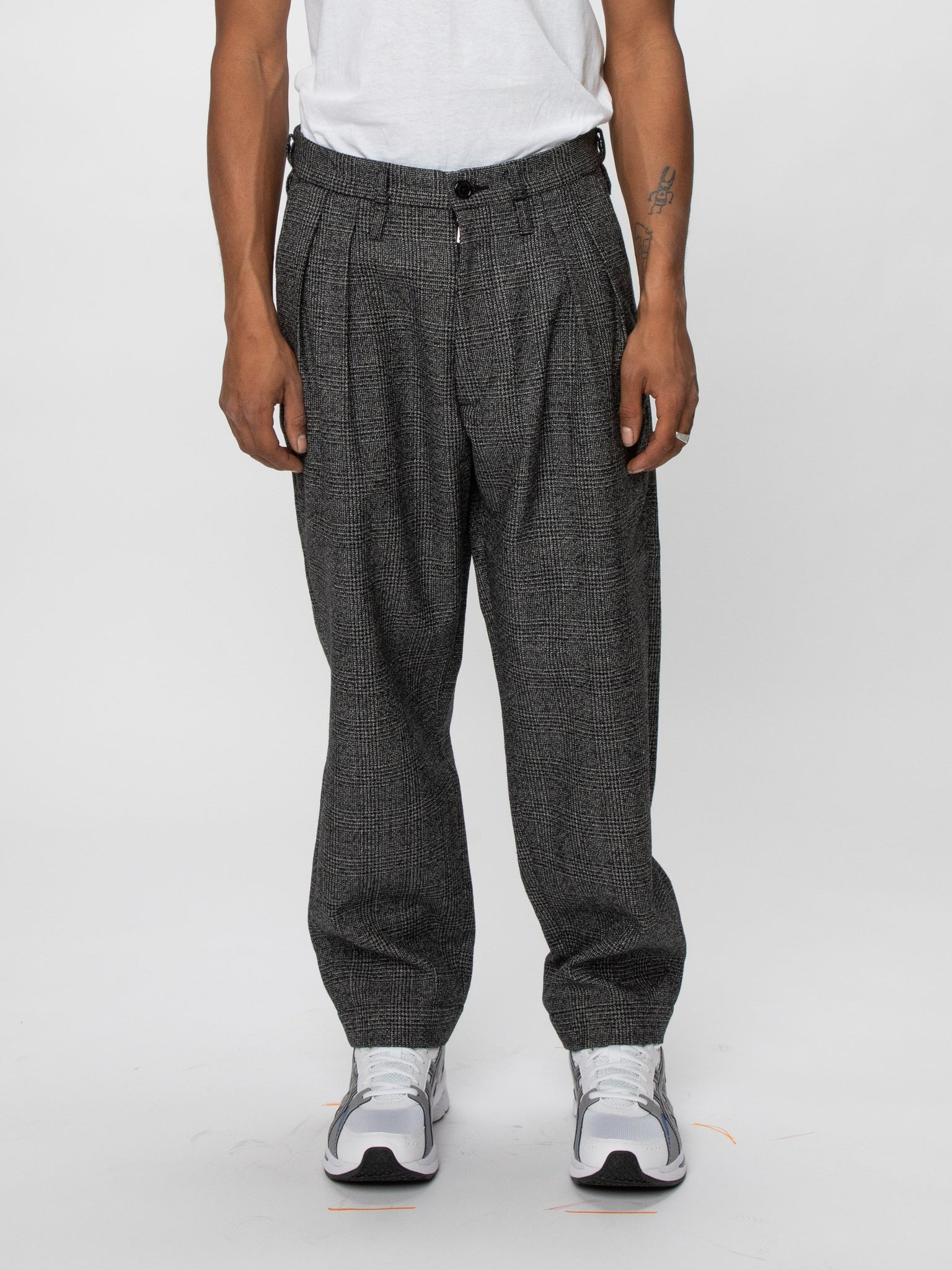 tuck-trousers