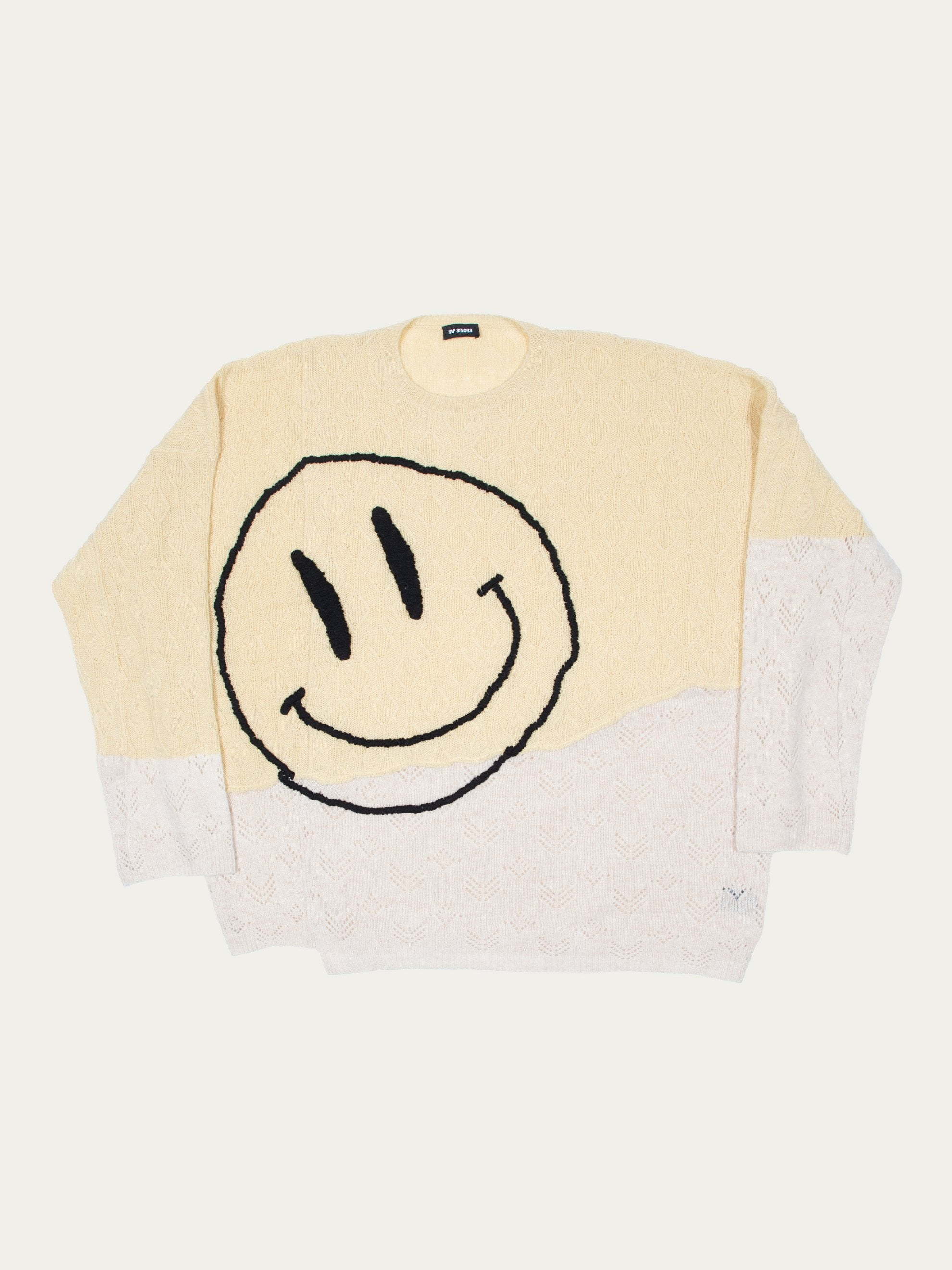 XS Collage Oversized Sweater With Smiley 1