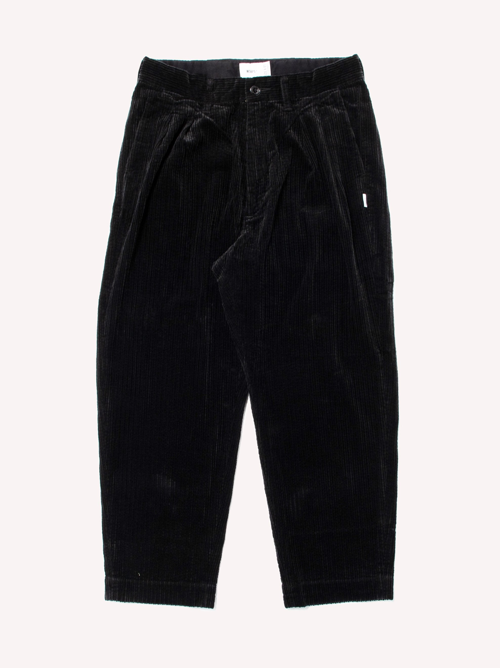 Black Tuck 02 / Trousers. Cotton. Corduroy 1