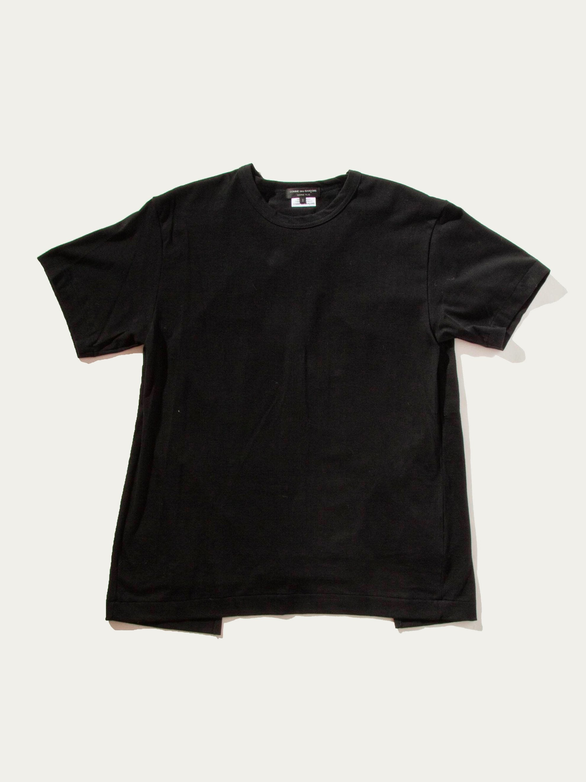 Black Slit Back Buckle T-Shirt 1
