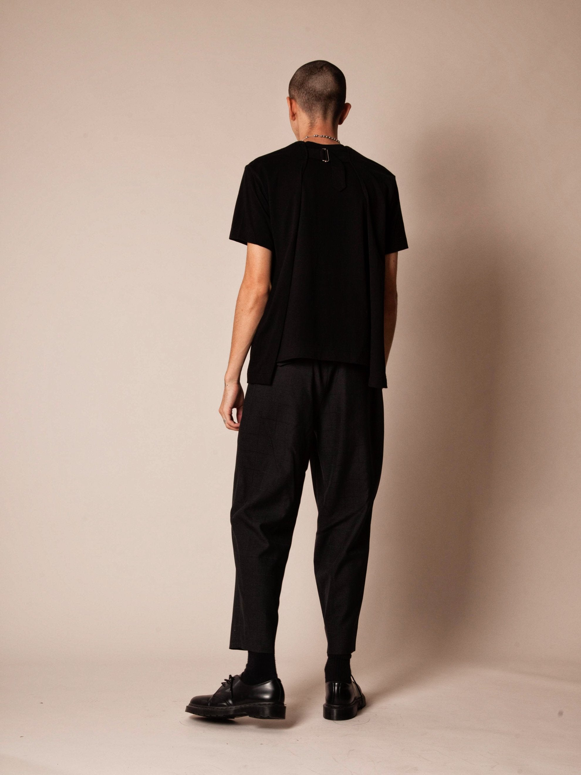 Black Slit Back Buckle T-Shirt 4