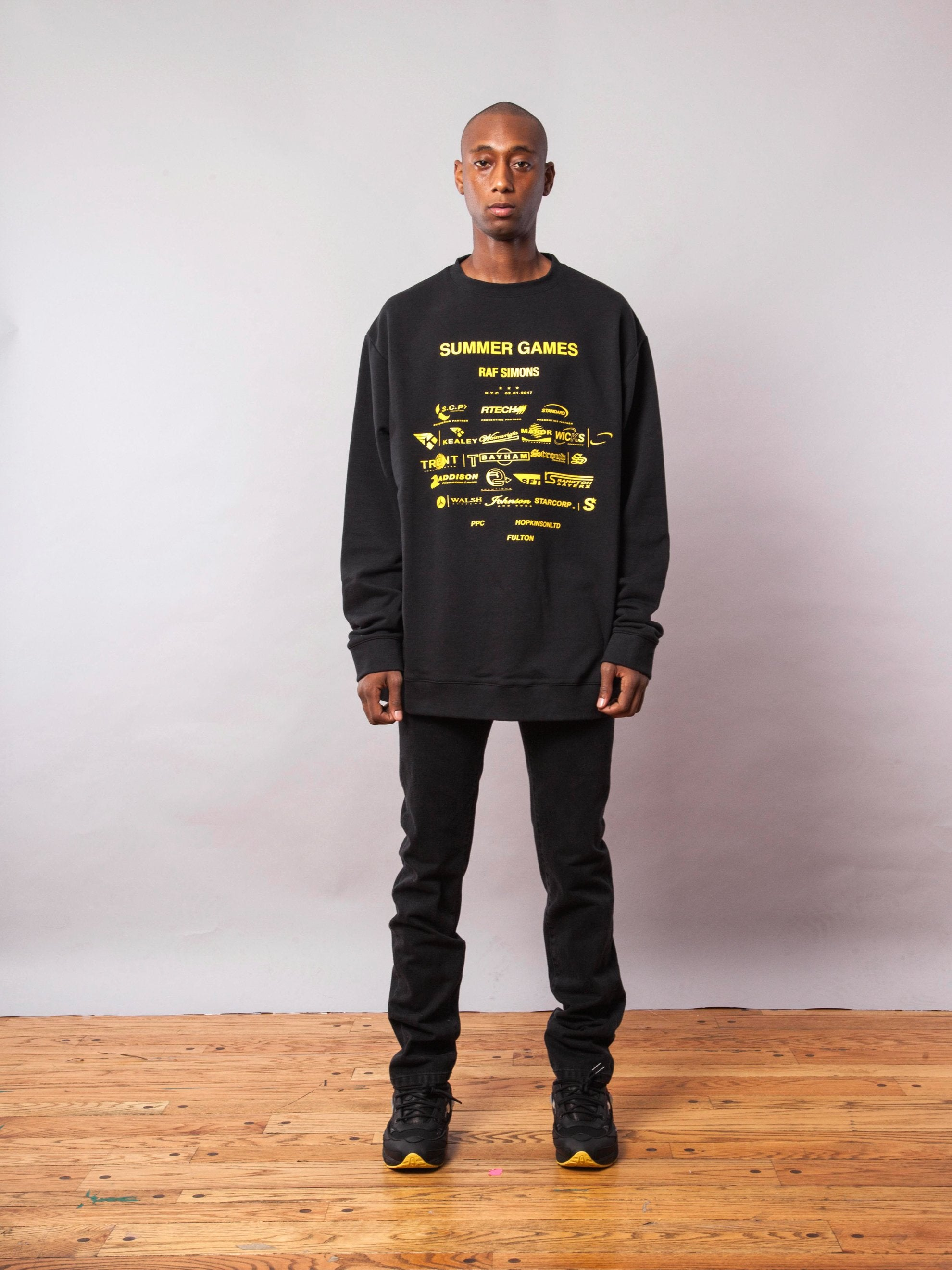 Black Oversized Sweatshirt (with Print) 3